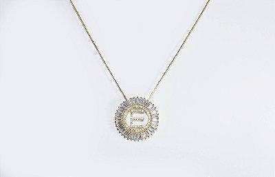 Colar com mandala redonda com a letra E, cravejada de zircônias - Moda executiva e evangélica - Amoii