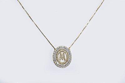 Colar com mandala oval com a letra M, cravejada de zircônias - Moda executiva e evangélica - Amoii