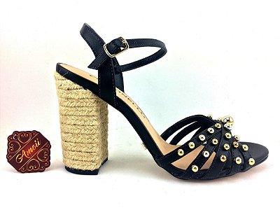 Sandália preta com esferas da Cecconello – Amoii – Moda Executiva e Evangélica
