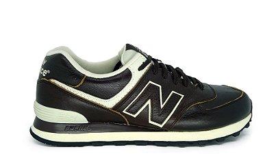 Tênis New Balance 574 Marrom