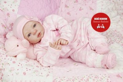 Boneca Bebê Reborn Menina Realista Parece Um Bebê De Verdade Com Enxoval E Chupeta