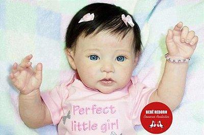 Bebê Reborn Menina Realista Bela E Delicada Parece Um Bebê De Verdade Enxoval E Acessórios