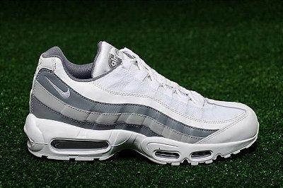 Tênis Nike Air Max 95 Branco e Cinza