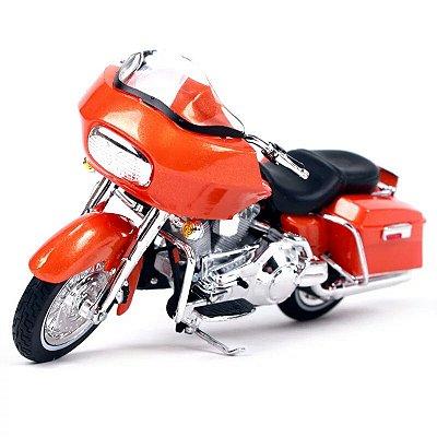 Miniatura Harley Davidson Road Glide FLTR 2002 Maisto 1:18 - Series 38