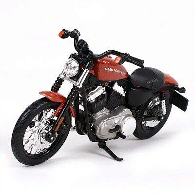 Miniatura Harley Davidson XL 1200N Nightser 2007 Maisto 1:18 - Series 38