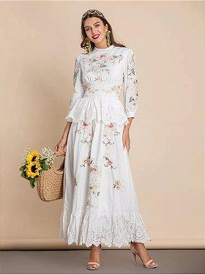 Vestido midi branco bordado floral peplum laise
