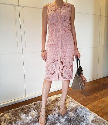 Vestido de renda rosa blush botões frente