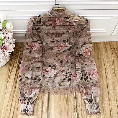 Camisa floral chiffon gola alta babados