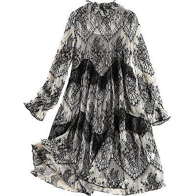 97c1c4123 Vestido vintage renda P&B trapézio gola alta