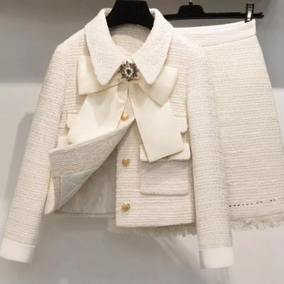 Conjunto casaco jaquetinha maxi laço + saia