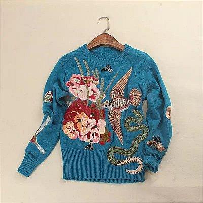 Blusa lã azul total bordado pássaro