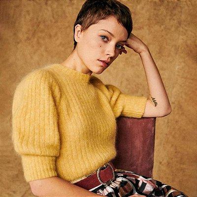 Blusa romance tricot amarelo decote costas