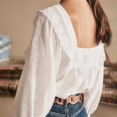 Camisa romance decote quadrado costas