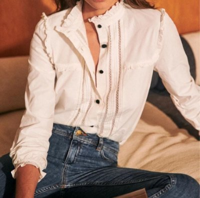 Camisa romance botões pretos laço gola