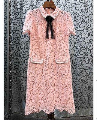 Vestido renda pink gola laço preto