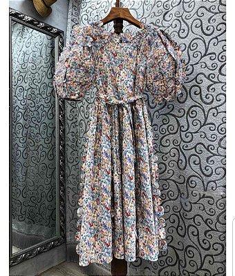 vestido midi floral manga bufante frufru