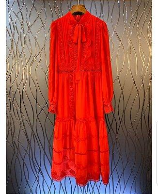 Vestido midi vermelho gola laço detalhes renda
