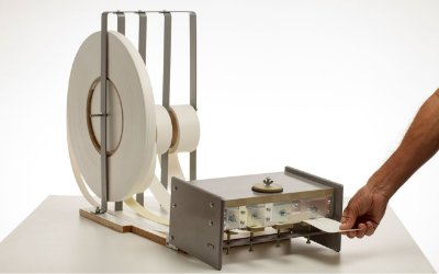 Coladeira portátil para fitas de borda modelo 4 fitas