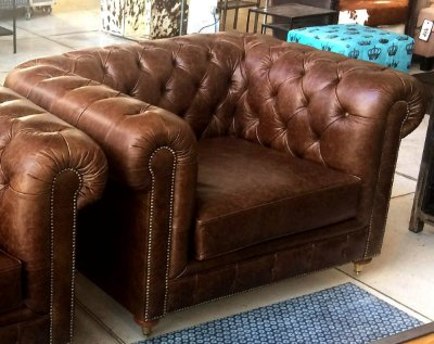 Sofá Chesterfield 1,25m Poltrona Couro Natural Marrom - 1 Lugar