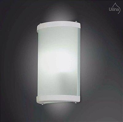 Arandela Externa Vidro Curvo Fosco Luz Frontal 30x18 Curvo Usina Design E-27 5201/2 Muros e Garagens
