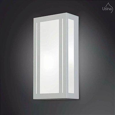 Arandela Externa Retangular Luz Frontal Alumínio 30x15 2012 Usina Design E-27 5155/30 Garagens e Jardins