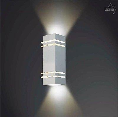 Arandela Externa Tubo Quadrado Alumínio Fosco Luz Frontal 10x28 Amarilis Usina Design E-27 5235/28 Muros e Jardins