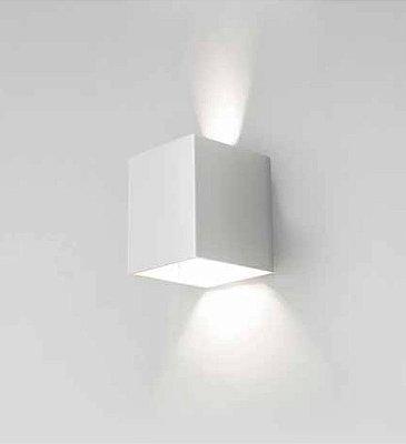 Arandela Cubo Sobrepor Facho Ajustável Metal Cinza 10x10cm Newline 1x LED 6W 3000K Bivolt 570BT Corredores e Salas