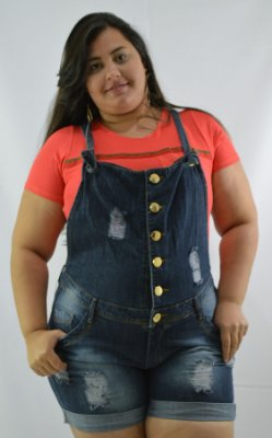 6be30f122 Macacão Jeans Plus Size Feminino Transpassado - Cazzadella Plus Size