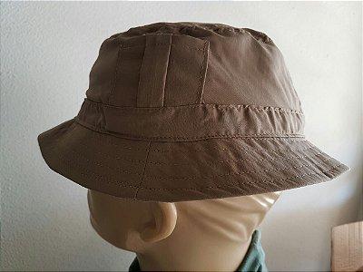 Chapéu aba redonda com proteção UV