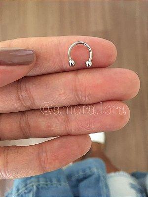 Piercing de Furo Cartilagem Nina  Aço Inoxidável