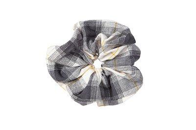 Elástico - Scrunchie Xadrez Cinza, Branco e Amarelo