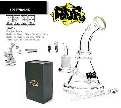 Squadafum | Bong de Vidro Piramid 18cm - Linha Premium