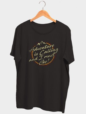 Camiseta Adventure is Calling Preta