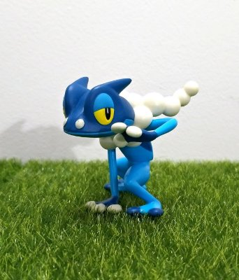 Frogadier Pokémon Figure 5 cm TOMY Action Pose