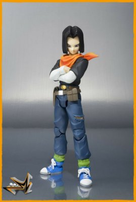 Android N°17 Dragon Ball S.H.Figuarts - Bandai