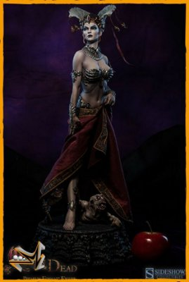 Queen Of The Dead Premium Format Court Of The Dead - Sideshow