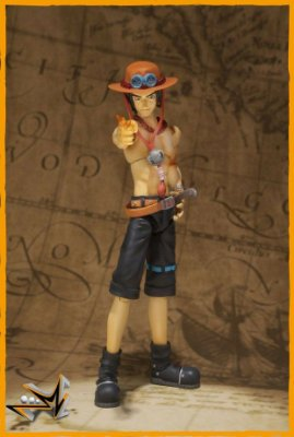 Portgas D Ace One Piece S.H Figuarts - Bandai