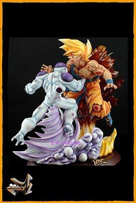 Goku Super Saiyan Vs Freeza Diorama Dragon Ball - VKH