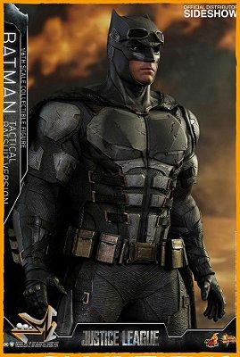 Batman Versão Tactical Batsuit 1/6 Dc Comics - Hot Toys (PRÉ-VENDA)