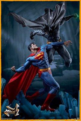 Batman vs Superman Diorama 1/5 Dc Comics - Sideshow Collectibles (PRÉ-VENDA)