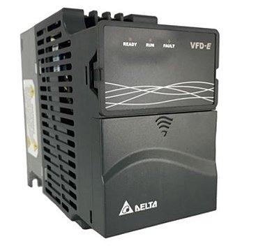 Inversor de Frequência 0,5CV (0,4KW) - Modelo E - 220 Volts - Trifásico - Driver Padrão - Com transistor de frenagem incorporado - utilizado para variação de velocidade de motores elétricos. DELTA VFD004E23A