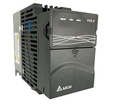 Inversor de Frequência 1CV (0,75KW) - Modelo E - 380/480 Volts - Trifásico - Driver Padrão - utilizado para variação de velocidade de motores elétricos. DELTA VFD007E43A
