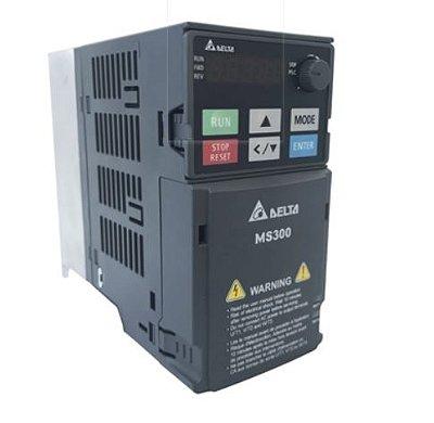Inversor de Frequência 1CV (0,75KW) - Modelo MS - 380/480 Volts - Trifásico - Standard - Sem filtro EMI - Com STO - Frequência Normal de Saída DELTA VFD2A7MS43ANSAA