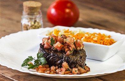 Filé Mignon ao Molho de Tomate + Arroz Integral com Cenoura 300g | Porção Individual | Produto congelado e acondicionado em Bandeja