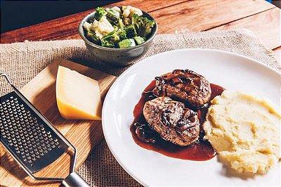 Filé Mignon Ao Molho Madeira + Purê de Batata + Legumes 450g | Porção Individual | Produto congelado e acondicionado em bandeja