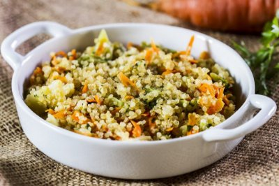 Quinoa com Legumes 300g | Serve duas pessoas | Produto congelado e acondicionado a vácuo