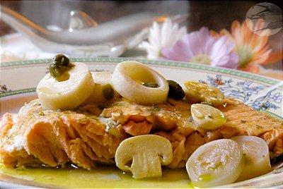 Salmão na manteiga de alcaparras raspas de limão siciliano no champignon 100g