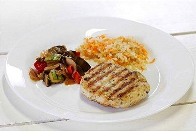 Hambúrguer de Frango + Ratatouille + Arroz Integral com Cenoura 300g | Porção Individual |Produto acondicionado a vácuo