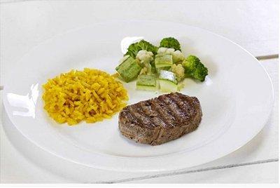 Filé Mignon Grelhado + Legumes no Vapor + Arroz Integral com Açafrão da Terra 300g | Porção Individual | Embalado a Vácuo