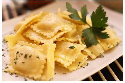 Ravióli com Camembert e Shimeji 500g - Produto fresco acondicionado em bandeja